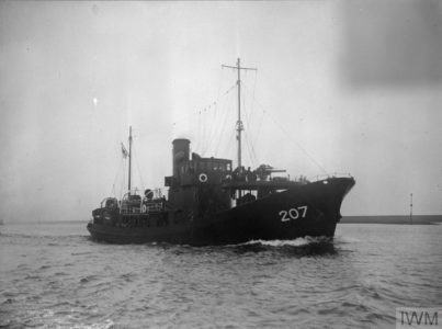 HMT Windermere underway on the Humber © IWM (FL 7286)