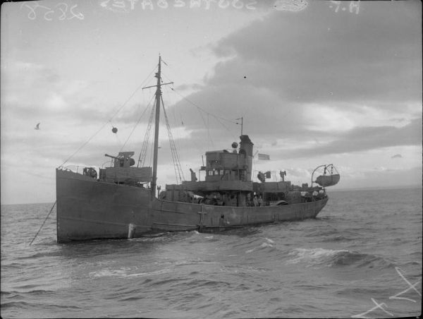 HMT Southcoates at anchor © IWM (FL 19186)