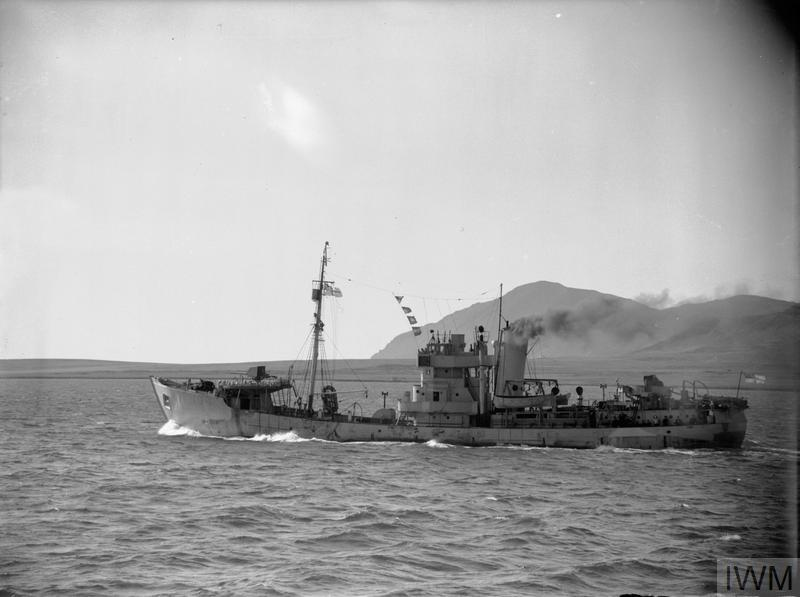 The Anti-Submarine Trawler NORTHERN GEM departing Hvalfjörður, Iceland © IWM (A 10100)