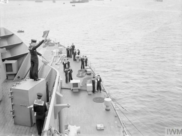 A class of signalmen practicing onboard a Destroyer in 1941